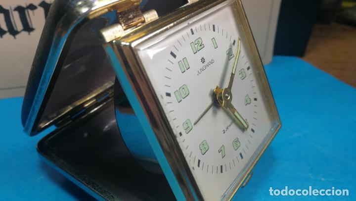 Relojes de carga manual: Botito y antique reloj despertador de viaje JUNGHANS , funcionando - Foto 27 - 140283502