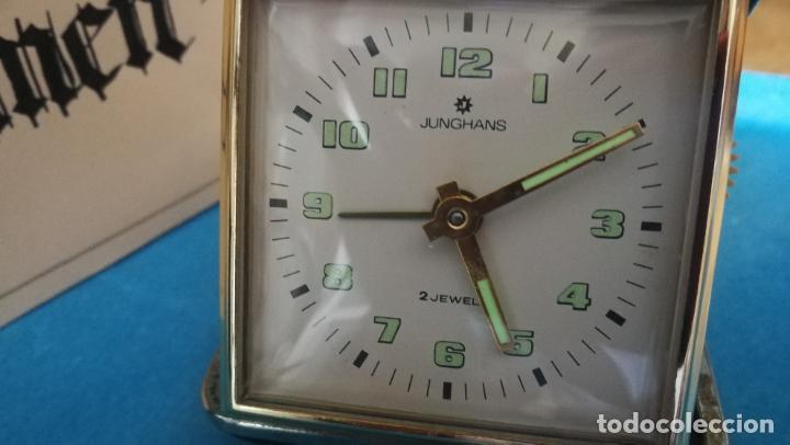 Relojes de carga manual: Botito y antique reloj despertador de viaje JUNGHANS , funcionando - Foto 31 - 140283502