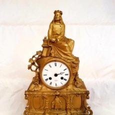 Relojes de carga manual: PRECIOSO RELOJ RELIGIOSO EN BRONCE DORADO,CON LA FIGURA DE JESUCRISTO,S. XIX . Lote 140928658