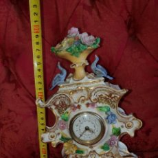 Relojes de carga manual: RELOJ DE MESA DE PORCELANA. FUNCIONANDO.. Lote 141181193