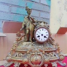 Relojes de carga manual: EXCELENTE RELOJ FRANCÉS SIGLO XIX CALAMINA BAÑADA EN BRONCE. Lote 143161224