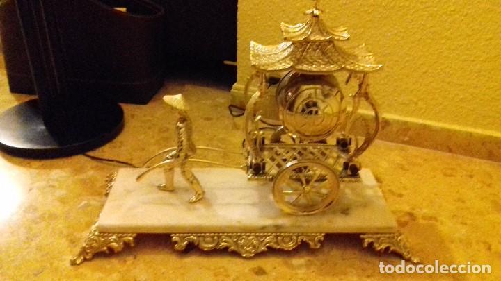 Relojes de carga manual: Reloj de sobremesa en metal dorado - Foto 2 - 142232774
