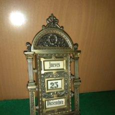 Relojes de carga manual: ANTIGUO CALENDARIO PERPETUO DE SOBREMESA PARA DESPACHO. Lote 139054654