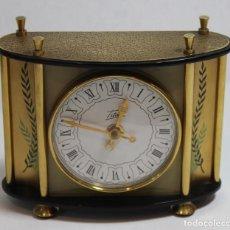 Relojes de carga manual: RELOJ DE MESA TITÁN,METAL DORADO.. Lote 142479858