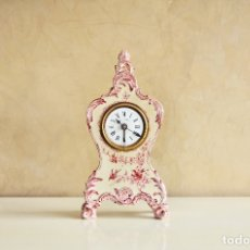 Relojes de carga manual: RELOJ DE SOBREMESA FRANCES DE PORCELANA O CERÁMICA ESTILO ISABELINO CON DESPERTADOR. Lote 126299579