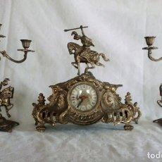 Relojes de carga manual: RELOJ DE SOBREMESA CON PAREJA DE CANDELABROS.. Lote 142748502