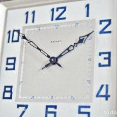 Relojes de carga manual: RELOJ FRANCES CROMADO CUADRADO DE SOBREMESA BAYARD AÑOS 1940 - ART DECO ALARM CLOCK CHROME FRANCE. Lote 143161602
