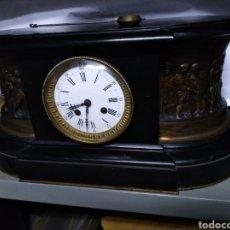 Relojes de carga manual: RELOJ NAPOLEÓN III CON PERSONAJES DE BRONCE. Lote 143831193