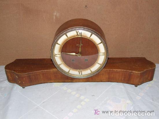 INTERESANTE RELOJ SOBREMESA AÑOS 50, MARCA KIENZLE ALEMAN (Relojes - Sobremesa Carga Manual)