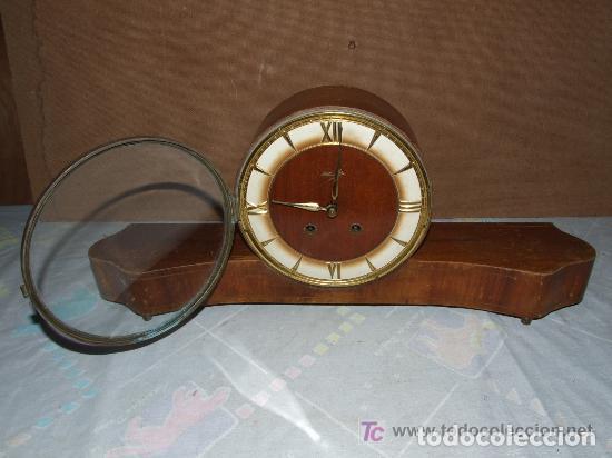 Relojes de carga manual: INTERESANTE RELOJ SOBREMESA AÑOS 50, MARCA KIENZLE ALEMAN - Foto 2 - 143831742