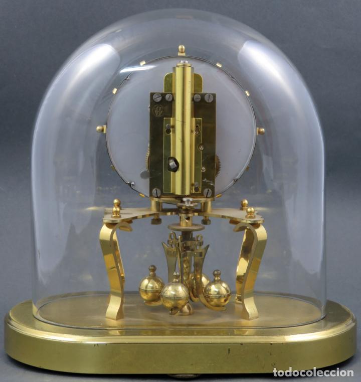 Relojes de carga manual: Reloj Kundo aleman Kieninger Obergfoll pendulo a torsión 400 dias años 50 funcionando - Foto 4 - 144091066