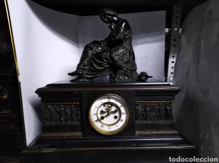 RELOJ NAPOLEÓNICO CON FIGURA DE BRONCE Y MÁQUINA DE ESCAPEVISTO (Relojes - Sobremesa Carga Manual)