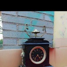 Relojes de carga manual: GRAN RELOJ FRANCÉS MÁRMOL NEGRO Y BRONCE SIGLO XIX. Lote 146278928