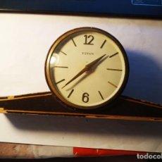 Relojes de carga manual: BONITO RELOJ DE MESA TITAN. Lote 145397138