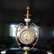 Relojes de carga manual: RELOJ DE ALABASTRO Y BRONCE. Lote 146091674