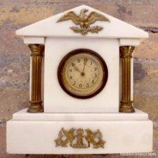 Relojes de carga manual: RELOJ DE MARMOL Y BRONCE DEL SIGLO XIX. FUNCIONANDO.. Lote 146233874