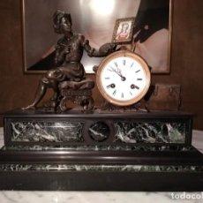 Relojes de carga manual: RELOJ SOBREMESA SIGLO XIX FABRICADO EN MÁRMOL Y BRONCE.. Lote 146873126