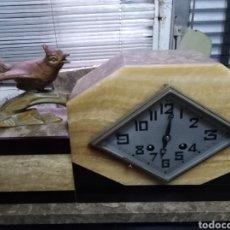 Relojes de carga manual: RELOJ DE SOBRE MESA EN BUEN ESTADO M. D. 38X20. Lote 147431672