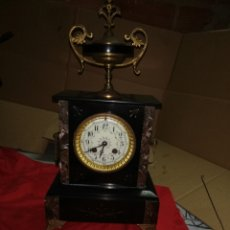 Relojes de carga manual: ANTIGUO RELOJ FRANCÉS SIGLO XIX MÁRMOL NEGRO Y BRONCE. Lote 152590873