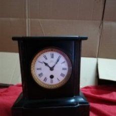Relojes de carga manual: ANTIGUO RELOJ FRANCÉS MÁRMOL NEGRO ESPERA FIRMADA SIGLO XIX. Lote 152590934