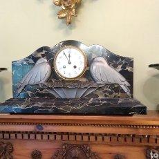 Relojes de carga manual: RELOJ ART DECÓ CON GUARNICIÓN DE GRANITO Y METAL. Lote 148536497