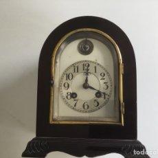 Relojes de carga manual: RELOJ DE CAPILLA ,CAJA DE MADERA NOBLE, SIGLO XIX, EN PERFECTO ESTADO FUNCIONANDO.. Lote 149559702
