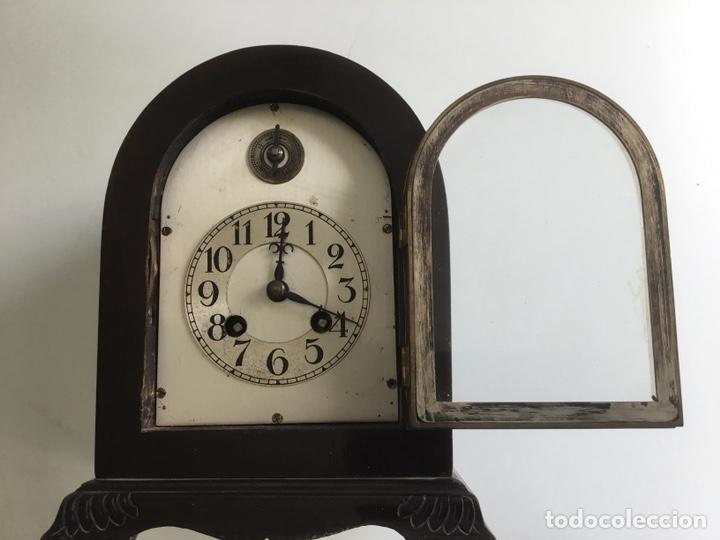 Relojes de carga manual: Reloj de capilla ,caja de madera noble, siglo XIX, en perfecto estado funcionando. - Foto 2 - 149559702