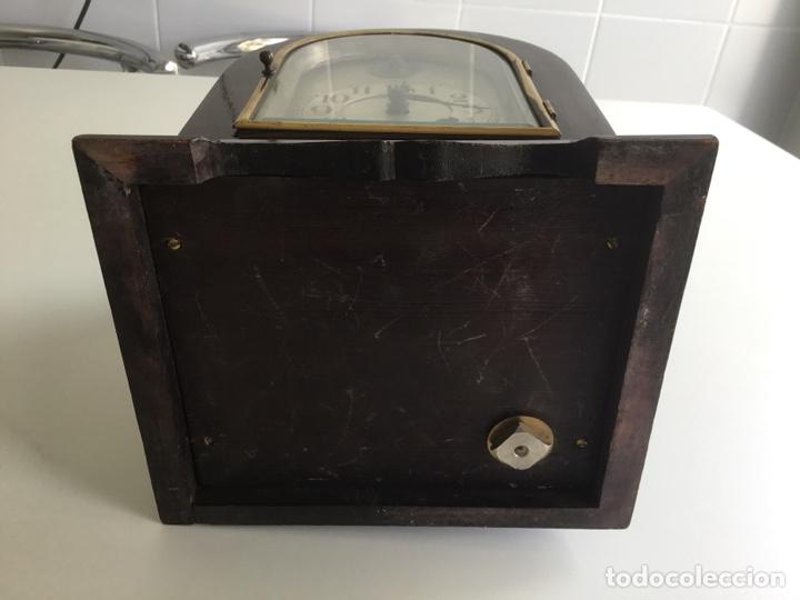 Relojes de carga manual: Reloj de capilla ,caja de madera noble, siglo XIX, en perfecto estado funcionando. - Foto 3 - 149559702