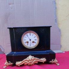 Relojes de carga manual: ANTIGUO RELOJ FRANCÉS SIGLO XIX MÁRMOL NEGRO Y BRONCE. Lote 151098480