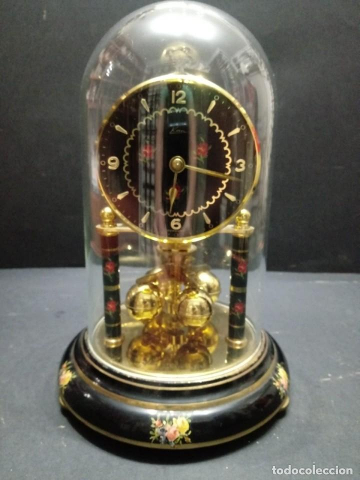 ANTIGUO RELOJ DE SOBREMESA A CUERDA (Relojes - Sobremesa Carga Manual)