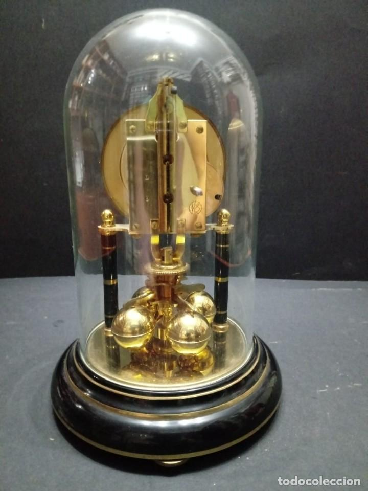 Relojes de carga manual: Antiguo reloj de sobremesa a cuerda - Foto 2 - 151640254