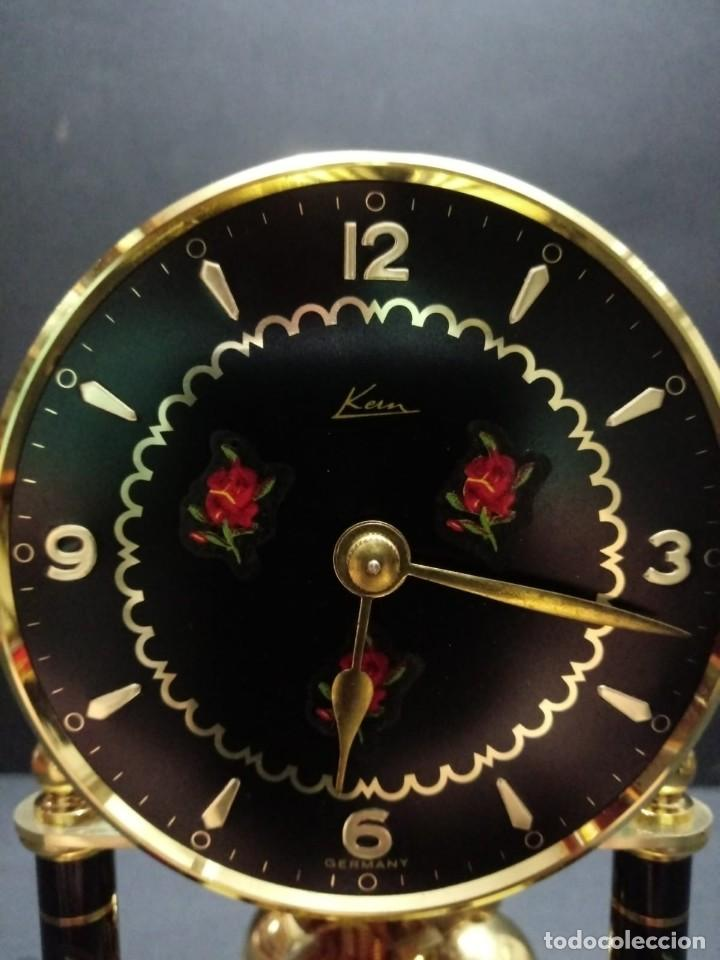 Relojes de carga manual: Antiguo reloj de sobremesa a cuerda - Foto 10 - 151640254
