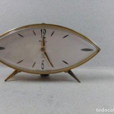 Relojes de carga manual: RELOJ DE SOBREMESA CARGA MANUAL BLESSING, OJIVAL, METAL DORADO, FUNCIONANDO. Lote 152472218