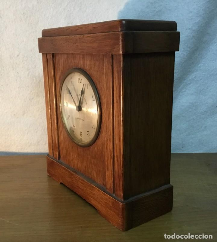 Relojes de carga manual: Reloj de Madera/Hucha - Banco Vitalicio de España - 1 Peseta por dia - FUNCIONA - Foto 2 - 153448230