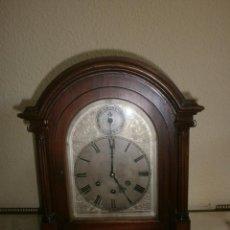 Relojes de carga manual: RELOJ DE SOBREMESA EN MADERA, ESFERA DE METAL GUSTAV BECKER MEDAILLE D'OR. Lote 154397954