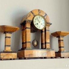 Relojes de carga manual: RELOJ Y GUARNICIÓN PARA CHIMENEA. Lote 155809394