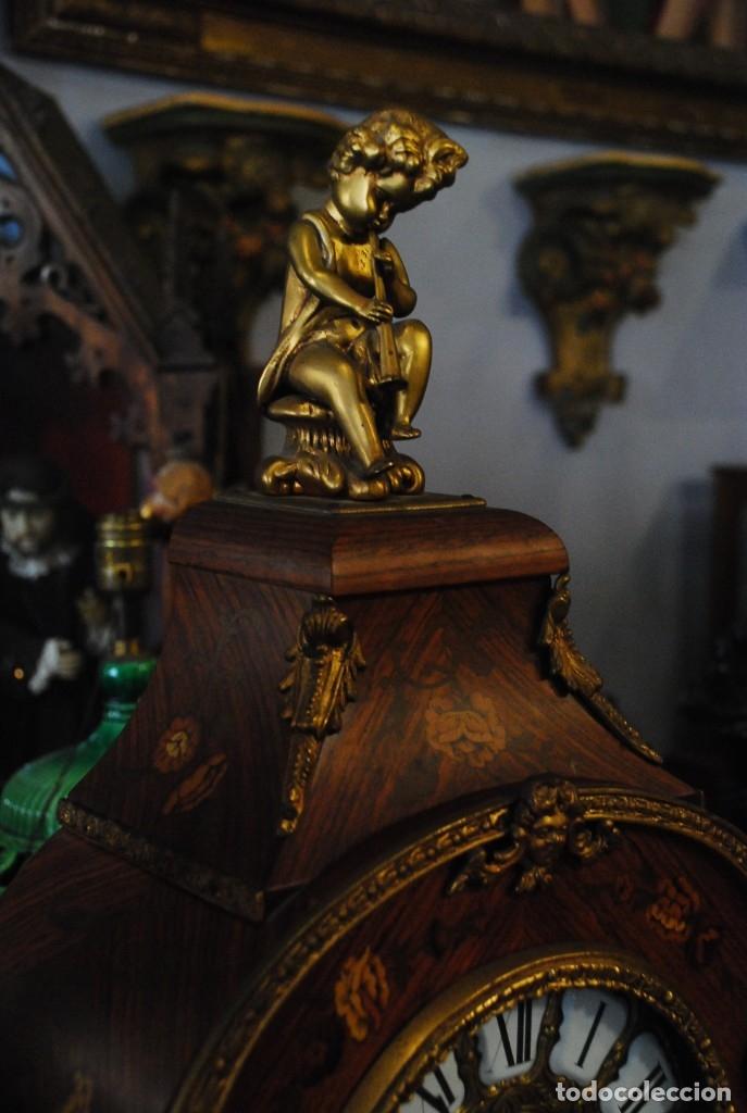 Relojes de carga manual: MUY BONITO RELOJ DE SOBREMESA DE CARGA MANUAL CON MARQUETERÍA Y BRONCE - Foto 6 - 156047210