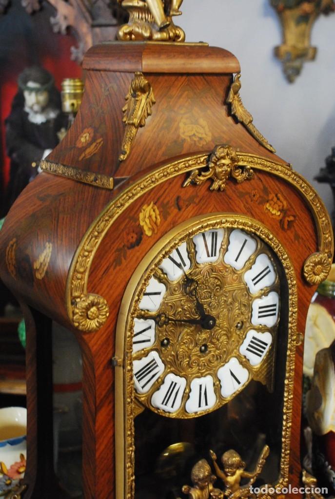 Relojes de carga manual: MUY BONITO RELOJ DE SOBREMESA DE CARGA MANUAL CON MARQUETERÍA Y BRONCE - Foto 7 - 156047210