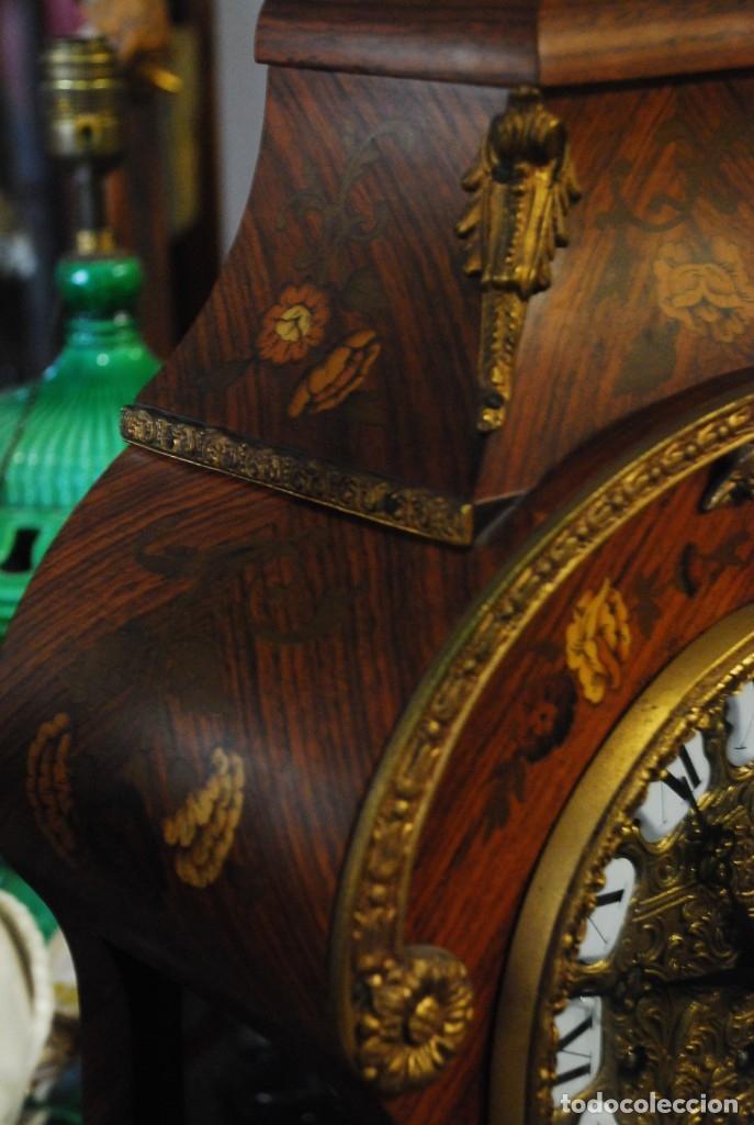 Relojes de carga manual: MUY BONITO RELOJ DE SOBREMESA DE CARGA MANUAL CON MARQUETERÍA Y BRONCE - Foto 8 - 156047210