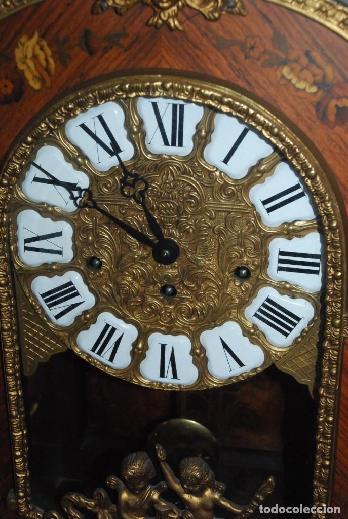 Relojes de carga manual: MUY BONITO RELOJ DE SOBREMESA DE CARGA MANUAL CON MARQUETERÍA Y BRONCE - Foto 13 - 156047210