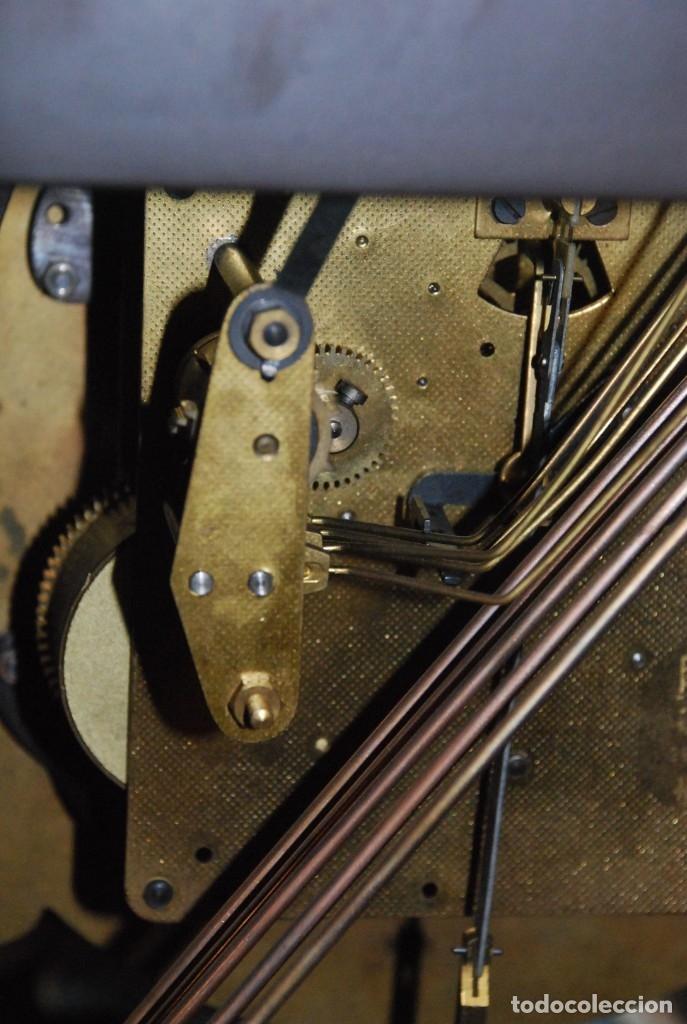 Relojes de carga manual: MUY BONITO RELOJ DE SOBREMESA DE CARGA MANUAL CON MARQUETERÍA Y BRONCE - Foto 21 - 156047210
