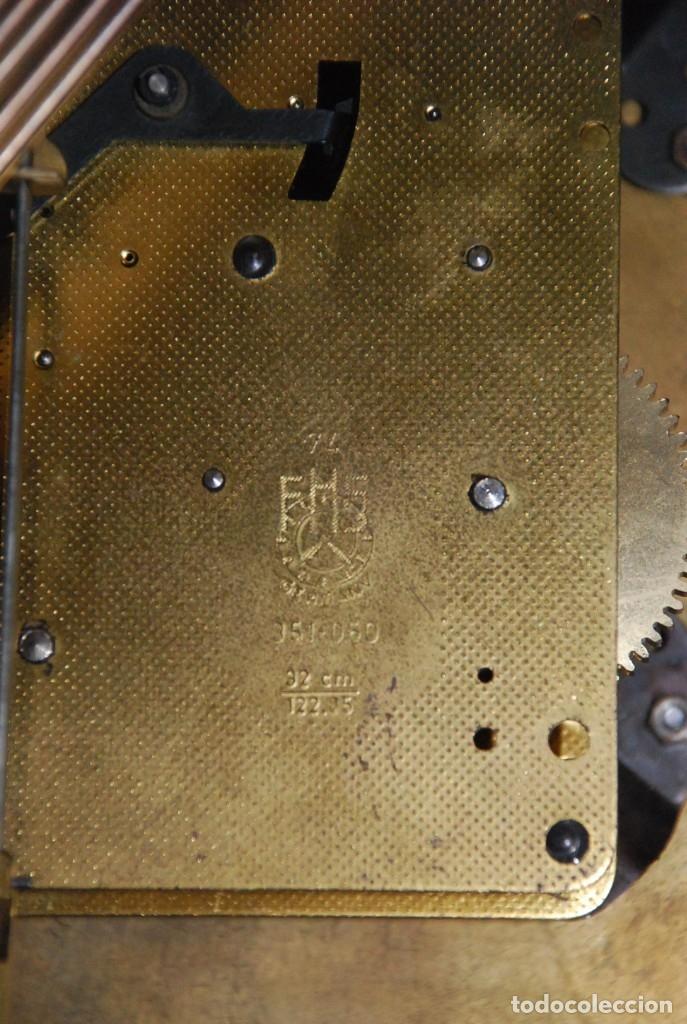 Relojes de carga manual: MUY BONITO RELOJ DE SOBREMESA DE CARGA MANUAL CON MARQUETERÍA Y BRONCE - Foto 31 - 156047210