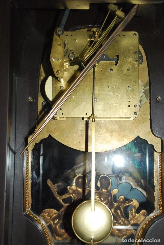 Relojes de carga manual: MUY BONITO RELOJ DE SOBREMESA DE CARGA MANUAL CON MARQUETERÍA Y BRONCE - Foto 32 - 156047210