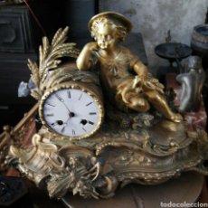 Relojes de carga manual: ANTIGUO RELOJ FRANCÉS DE BRONCE DORADO SIGLO XIX. Lote 156658665