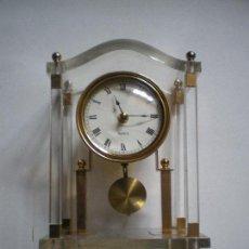 Relojes de carga manual: RELOJ DE SOBREMESA METACRILATO. Lote 158122338