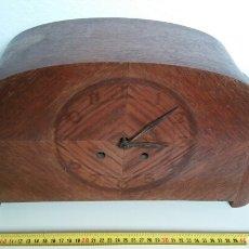 Relojes de carga manual: RELOJ MADERA. Lote 158388569