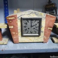 Relojes de carga manual: RELOJ DE MÁRMOL CON CALENDRABOS. Lote 160738634