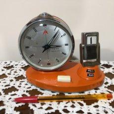 Relojes de carga manual: RELOJ DESPERTADOR Y CALENDARIO GOLDEN COCK, VINTAGE.. Lote 161829173