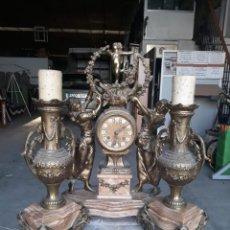 Relojes de carga manual: RELOJ DE SOBREMESA CON JUEGO DE CANDELABROS. Lote 162903394