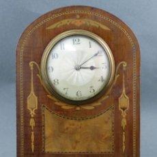 Relojes de carga manual: RELOJ DE SOBREMESA EN MADERA CON MARQUETERÍA INGLATERRA HACIA 1900 EN FUNCIONAMIENTO. Lote 163350762